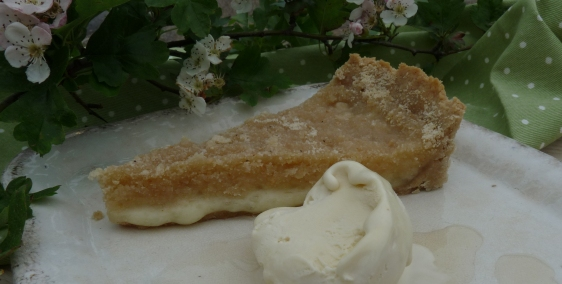 knefe tart with hawthorn blossom ice cream